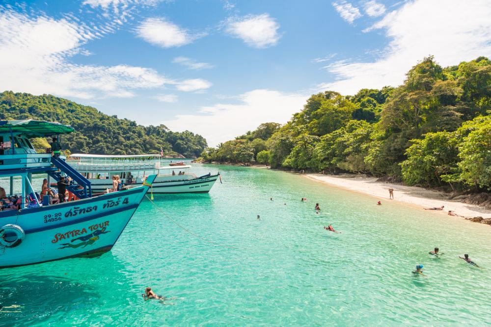World's Best Islands for Wildlife Lovers