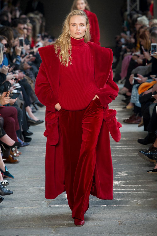 red runway fashion Fall Fashion 2017